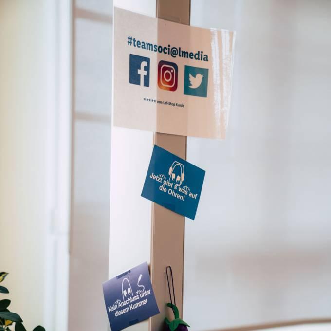 Auch auf den sozialen Kanälen beantworten unsere Servicemitarbeiter die Anliegen der Kunden.