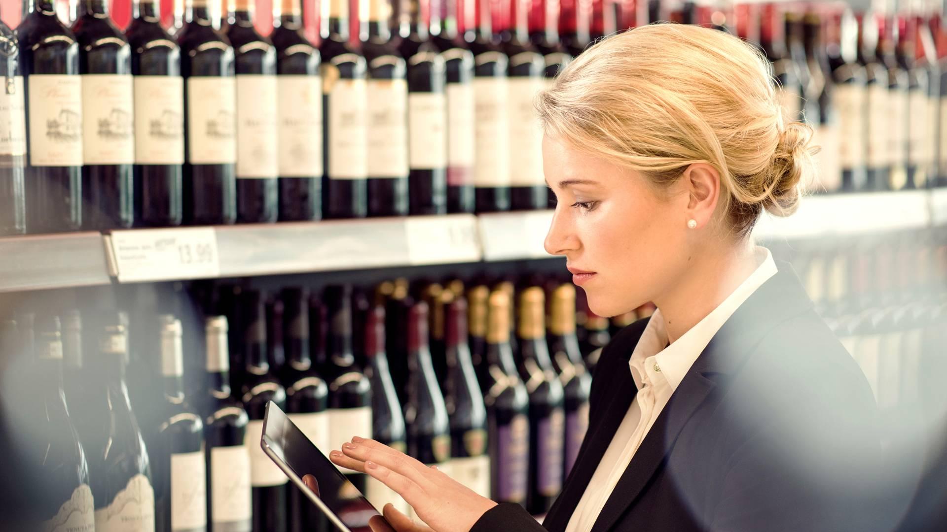 Filiale Trainee Weinflaschen